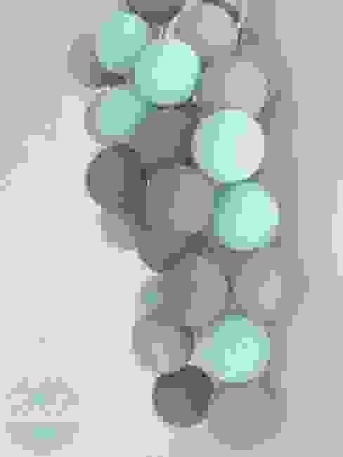 Cotton ball lights od Qule Nowoczesny