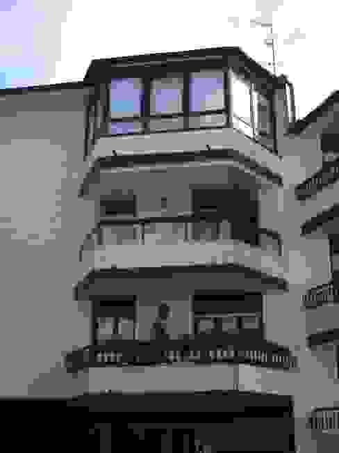 Acristalamiento de Balcones Balcones y terrazas de estilo clásico de IBZ Cristal Clásico