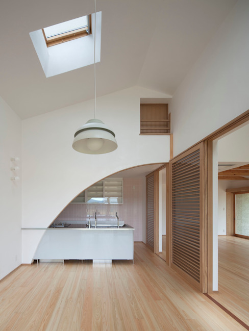 庚申堂の家 オリジナルデザインの キッチン の ろく設計室 オリジナル