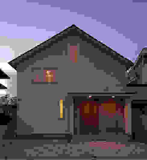 シンプルな家型の外観。 モダンな 家 の FURUKAWA DESIGN OFFICE モダン