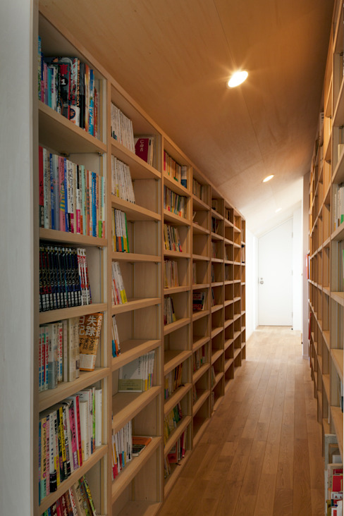 PASSAGE with BOOKS by FURUKAWA DESIGN OFFICE Сучасний