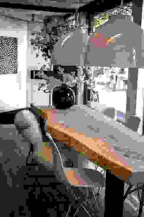 Boomstamtafels voor binnen: modern  door Woodlovesyou&more, Modern