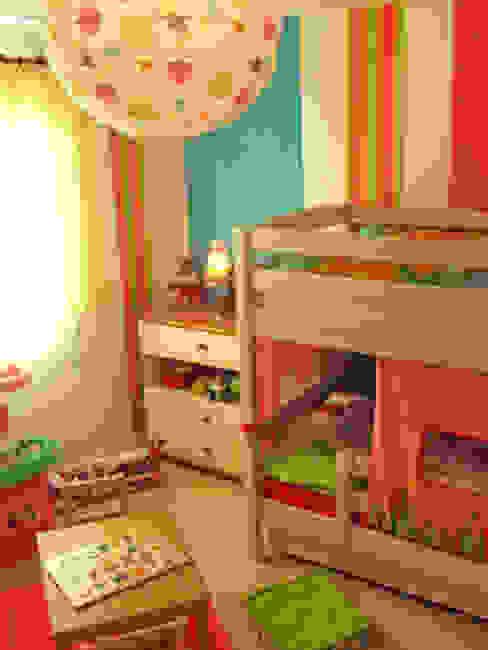 Projet de décoration de la chambre de 2 petites filles Chambre d'enfant moderne par Papillon Déco & Com Moderne