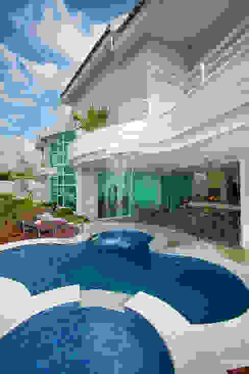 Casa das Águas Casas modernas por Arquiteto Aquiles Nícolas Kílaris Moderno