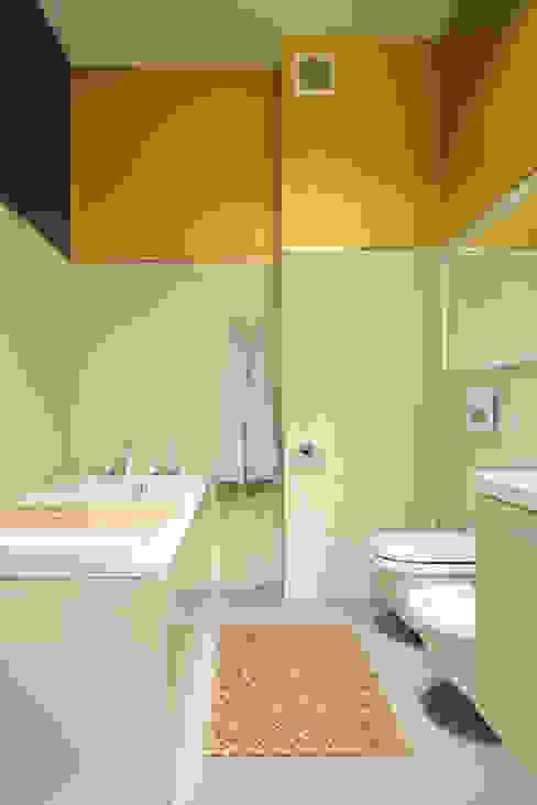 Salle de bain moderne par REFORM Konrad Grodziński Moderne