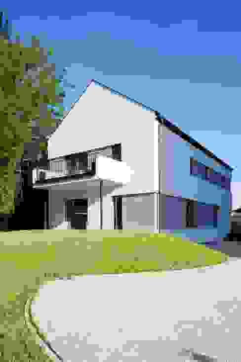 Saniertes Gebäude: modern  von MASTAPLAN GmbH,Modern