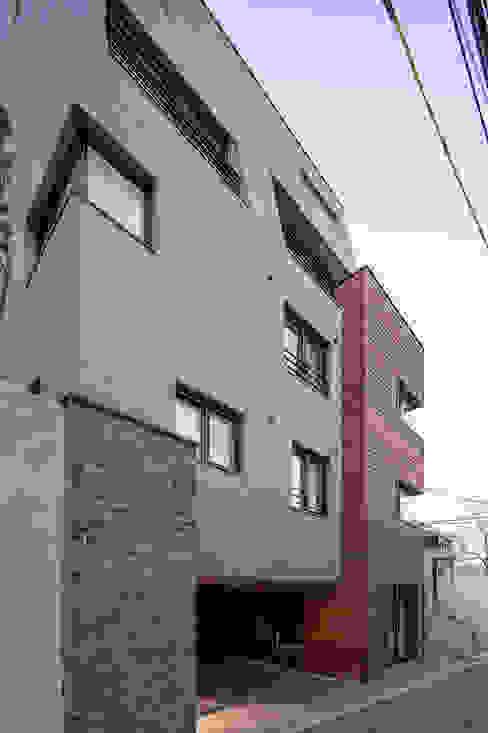 JONGAMDONG MULTIPLE DWELLIMGS 모던스타일 주택 by IDEA5 ARCHITECTS 모던
