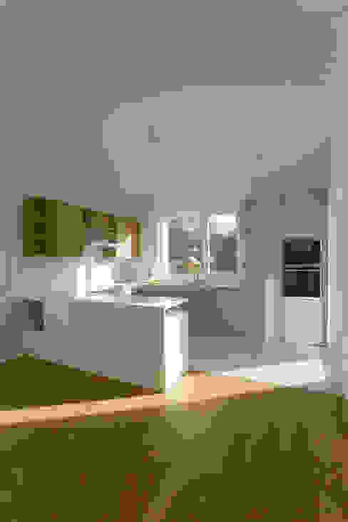 Küche Moderne Küchen von Goderbauer Architects Modern
