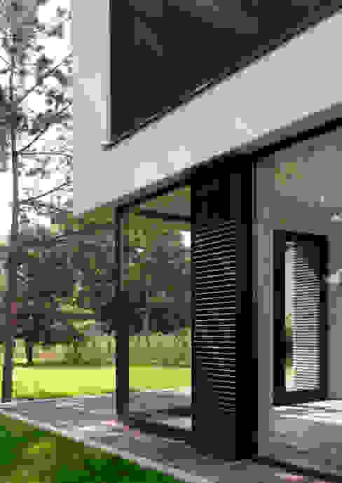 Dom175: styl , w kategorii Domy zaprojektowany przez Jednacz Architekci,Minimalistyczny
