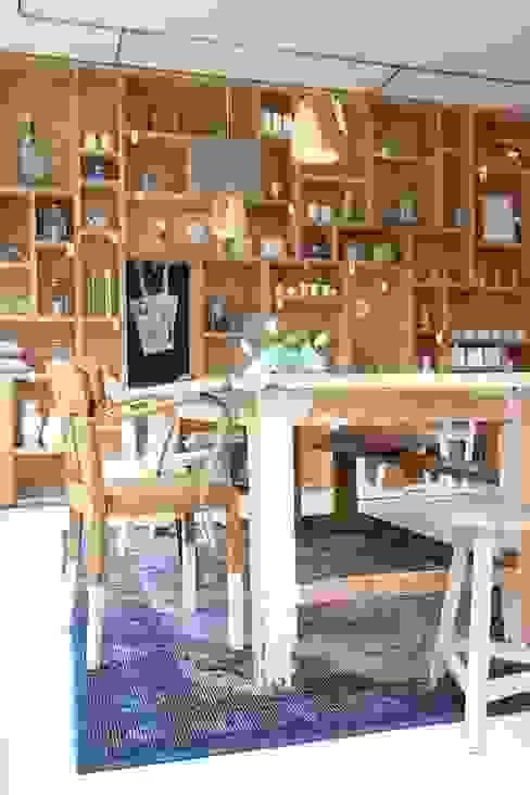 Boterham Amsterdam :  Bars & clubs door OneSevenTree , Modern