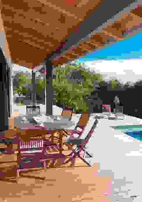 Invitation à la détente... Balcon, Veranda & Terrasse modernes par POUGET Agnès Moderne