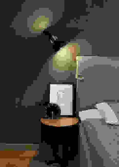 Квартира с характером: Спальная комната  в . Автор – LPetresku