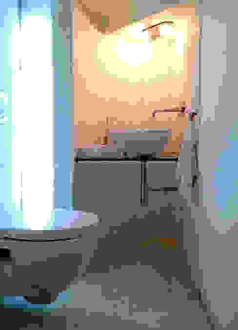 Modern bathroom by ArchEnjoy Studio Modern