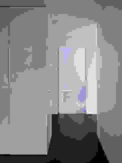 Wohnhaus Münchenstein Moderne Fenster & Türen von raeto studer architekten Modern