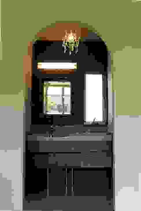 夢はかなえるもの: 石川泰之建築設計室が手掛けた浴室です。,クラシック