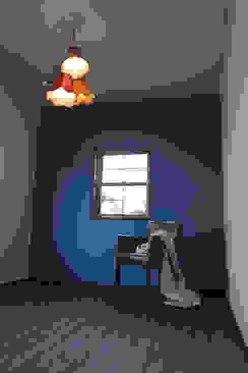 夢はかなえるもの: 石川泰之建築設計室が手掛けた寝室です。,オリジナル