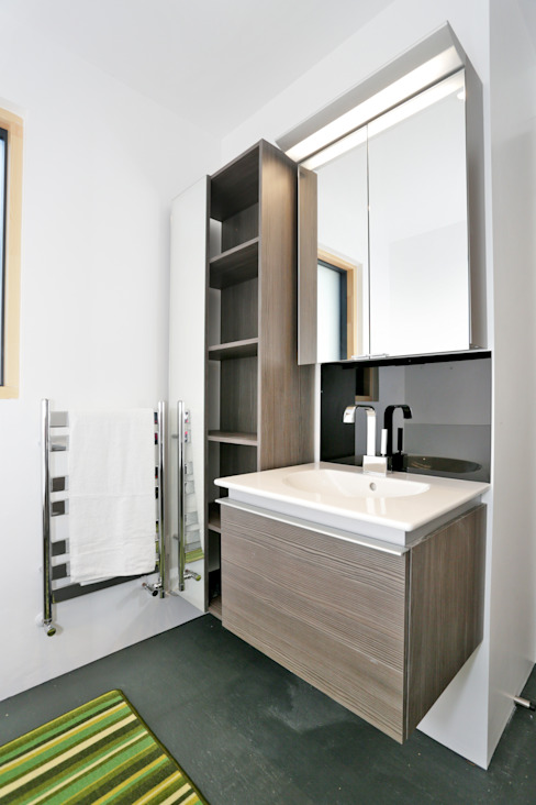 Schoolmasters Modern bathroom by build different Modern