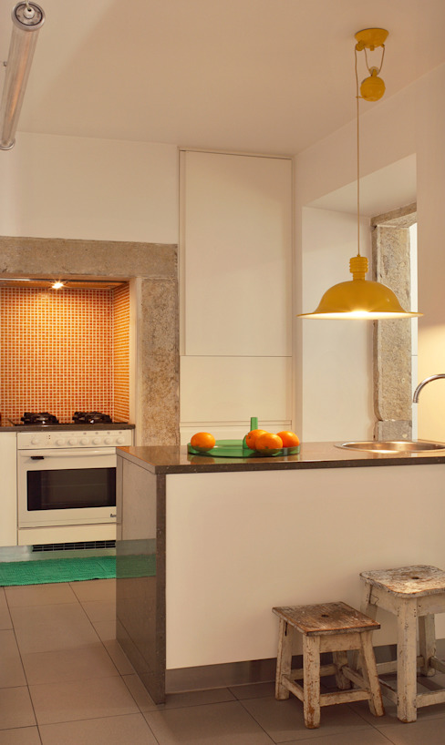 Kitchen by Tiago Patricio Rodrigues, Arquitectura e Interiores,
