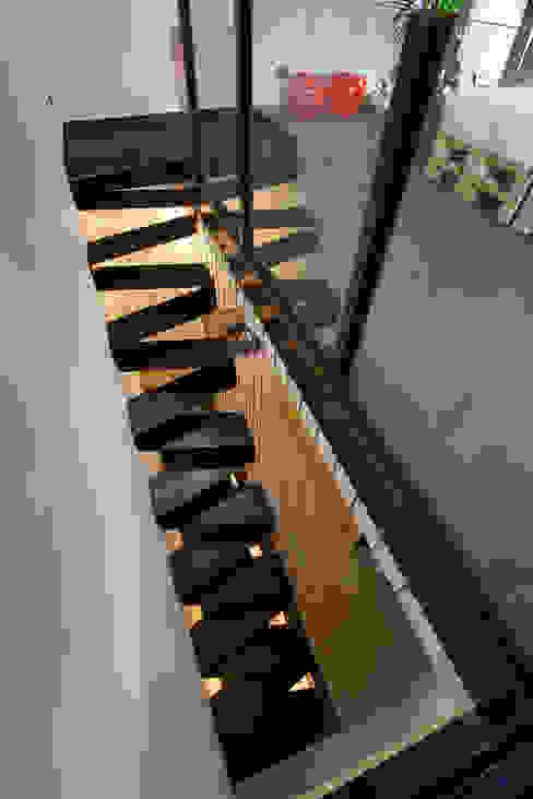 BEARprogetti - Architetto Enrico Bellotti Koridor & Tangga Minimalis
