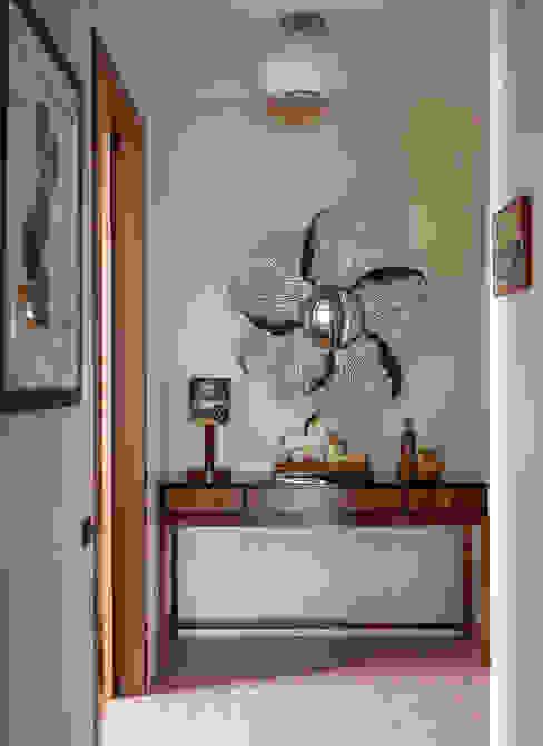Новое ар деко Коридор, прихожая и лестница в эклектичном стиле от МАРИНА БУСЕЛ интерьерный дизайн Эклектичный