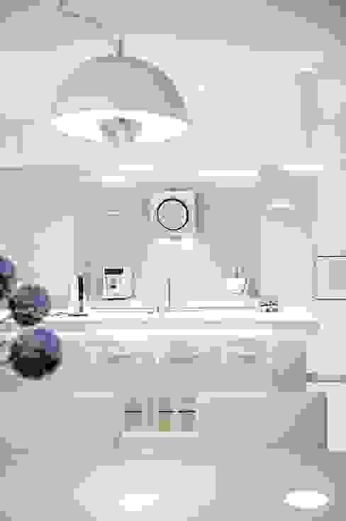 Dom prywatny 2012: styl , w kategorii Kuchnia zaprojektowany przez formativ. indywidualne projekty wnętrz,Nowoczesny