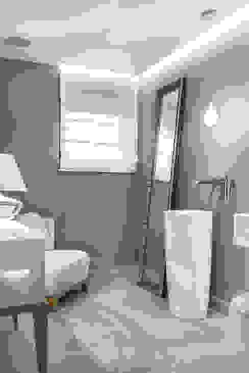 Modern bathroom by formativ. indywidualne projekty wnętrz Modern