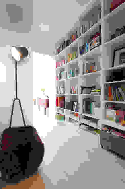 MN Residence Scandinavische woonkamers van deDraft Ltd Scandinavisch