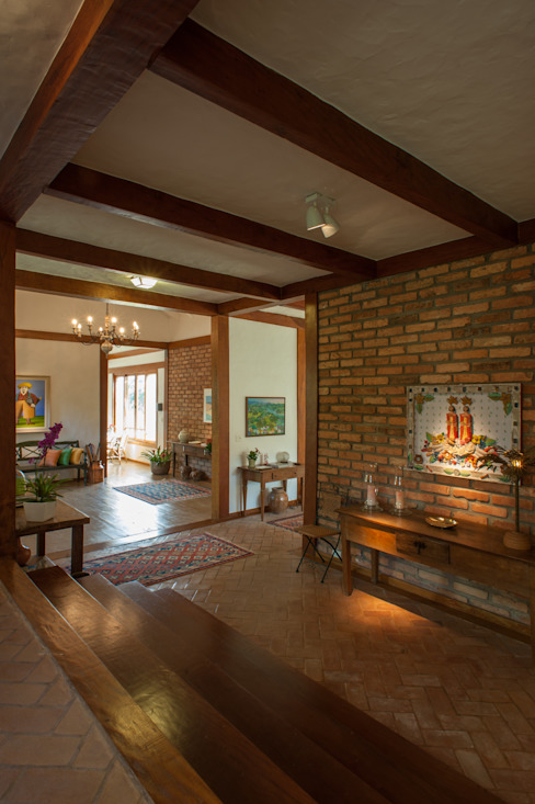 Rustic style corridor, hallway & stairs by PM Arquitetura Rustic