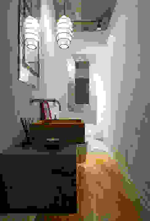 Aimbere Banheiros industriais por PM Arquitetura Industrial