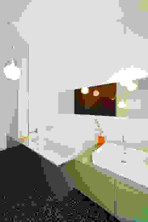 Modern bathroom by SEHW Architektur GmbH Modern