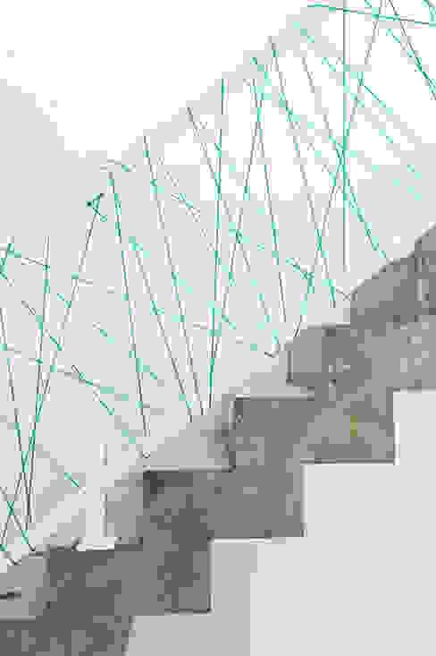 Treppe:  Flur & Diele von SEHW Architektur GmbH,