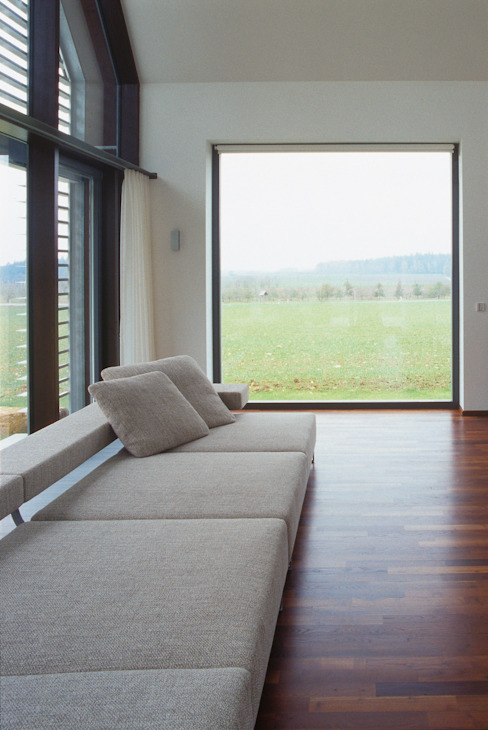 Гостиная в стиле модерн от Markus Gentner Architekten Модерн