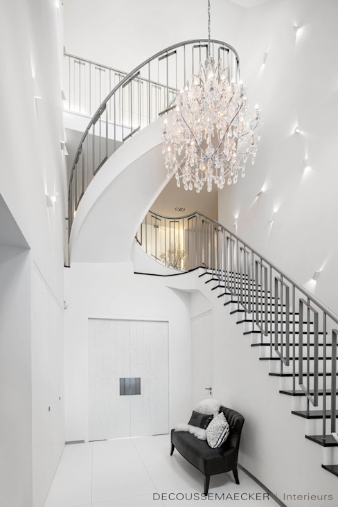 Decoussemaecker Interieurs Eclectic style corridor, hallway & stairs