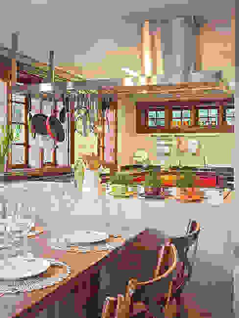 RESIDÊNCIA VÉU DA NOIVA Salas de jantar modernas por Isabela Bethônico Arquitetura Moderno