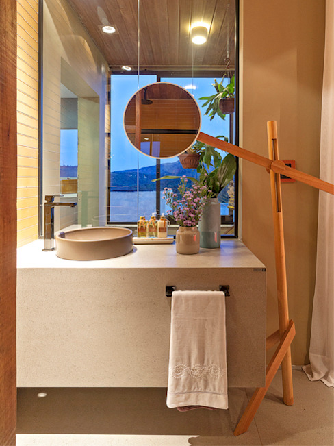CASA COR - LOFT MULHER MODERNA: Banheiros  por Isabela Bethônico Arquitetura