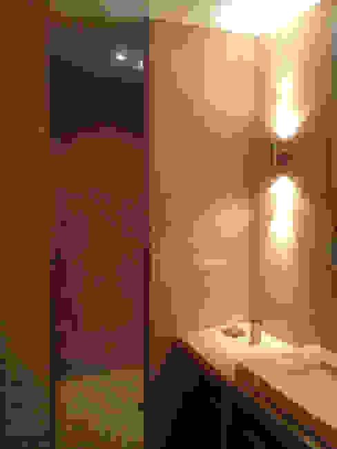 Salle d'eau n°2 emmanuel bobo architecte dplg Salle de bain moderne