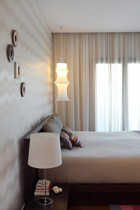 Contemporaneity seeing the river… Modern style bedroom by Tiago Patricio Rodrigues, Arquitectura e Interiores Modern