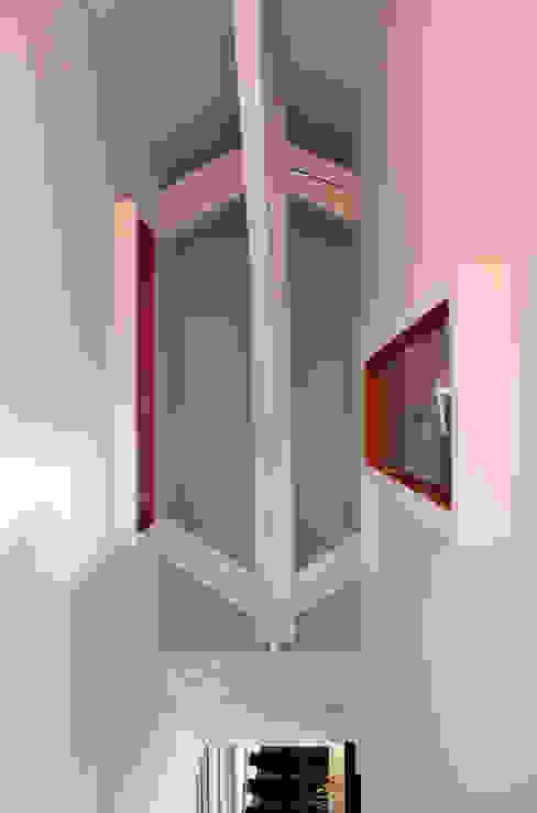Rénovation d'une maison - TOULOUSE Couloir, entrée, escaliers modernes par Atelier d'architecture Pilon & Georges Moderne