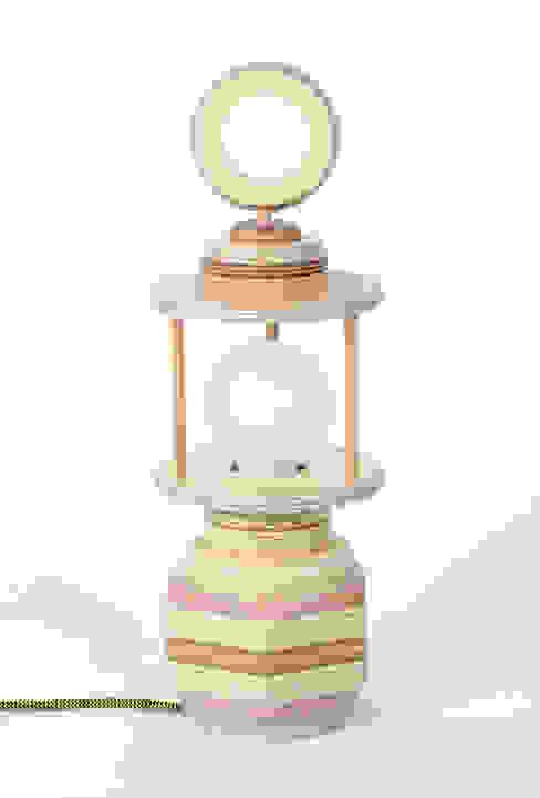 Staand lampje van Ingrid Kruit Industrieel