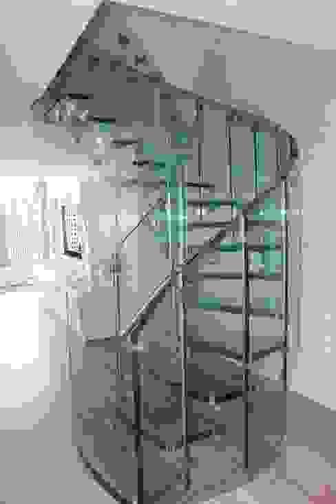 Scala curva interamente in vetro FLY Siller Treppen/Stairs/Scale Scale Vetro Trasparente