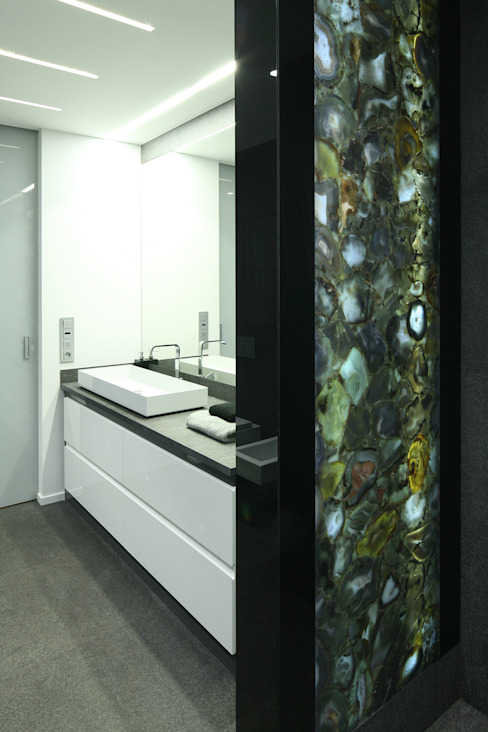 Agaty w łazience Minimalistyczna łazienka od living box Minimalistyczny
