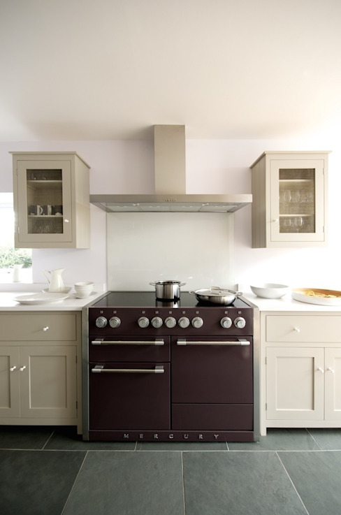 The Silverdale Shaker Kitchen by deVOL Modern kitchen by deVOL Kitchens Modern