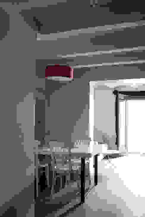 Hotéis modernos por Lavolta Moderno