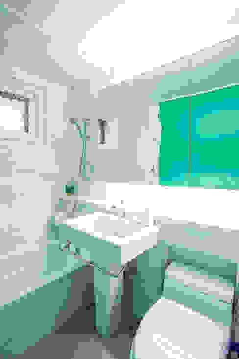 The Diagonal Line _평창동 빌라 모던스타일 욕실 by 지오아키텍처 모던