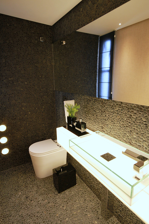 Bathroom by MeyerCortez arquitetura & design