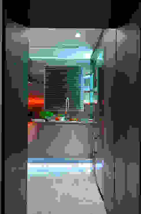 Projekty,  Kuchnia zaprojektowane przez Studio Cinque, Industrialny