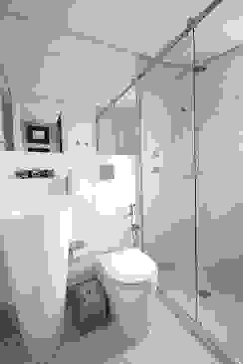 Baños de estilo moderno de MeyerCortez arquitetura & design Moderno