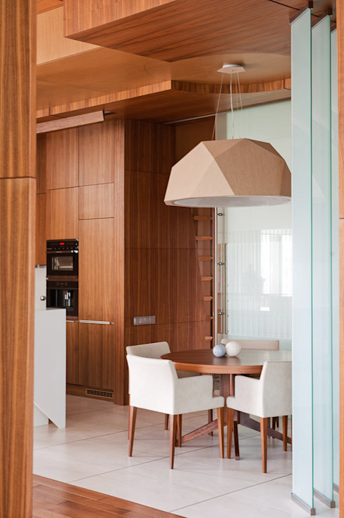 廚房 by Студия экспериментального проектирования 'Rakurs'