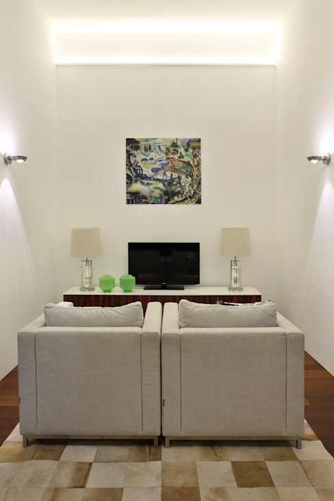 Colonial style media room by Tiago Patricio Rodrigues, Arquitectura e Interiores Colonial