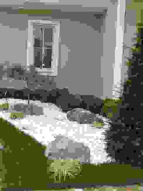 Jardins  por Çisem Peyzaj Tasarım, Moderno